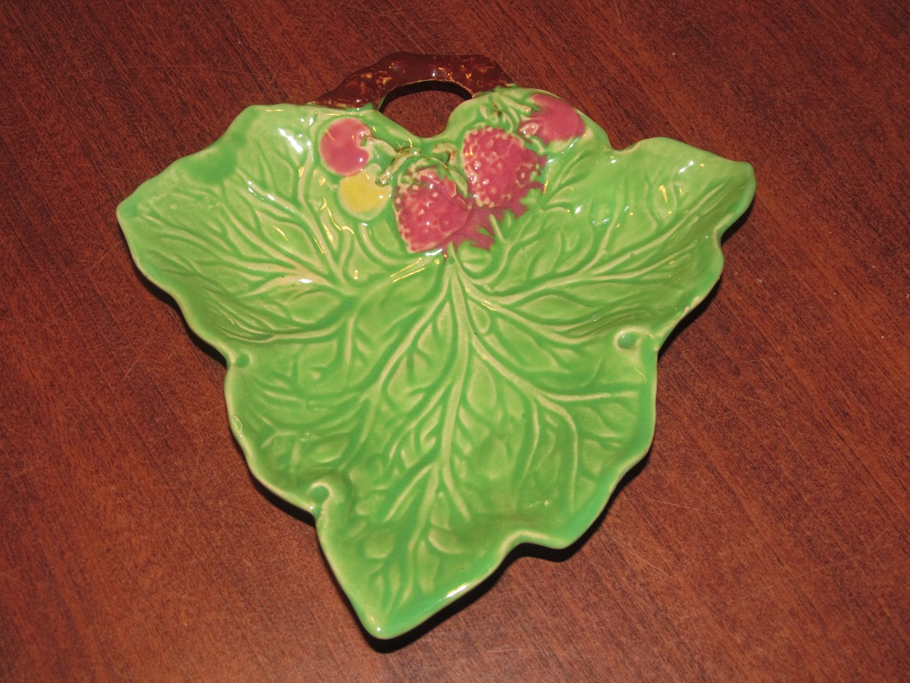 Pottery Vintage Avonware Ceramic Leaf Dish With Strawberry Detail Art Pottery British Art Pottery