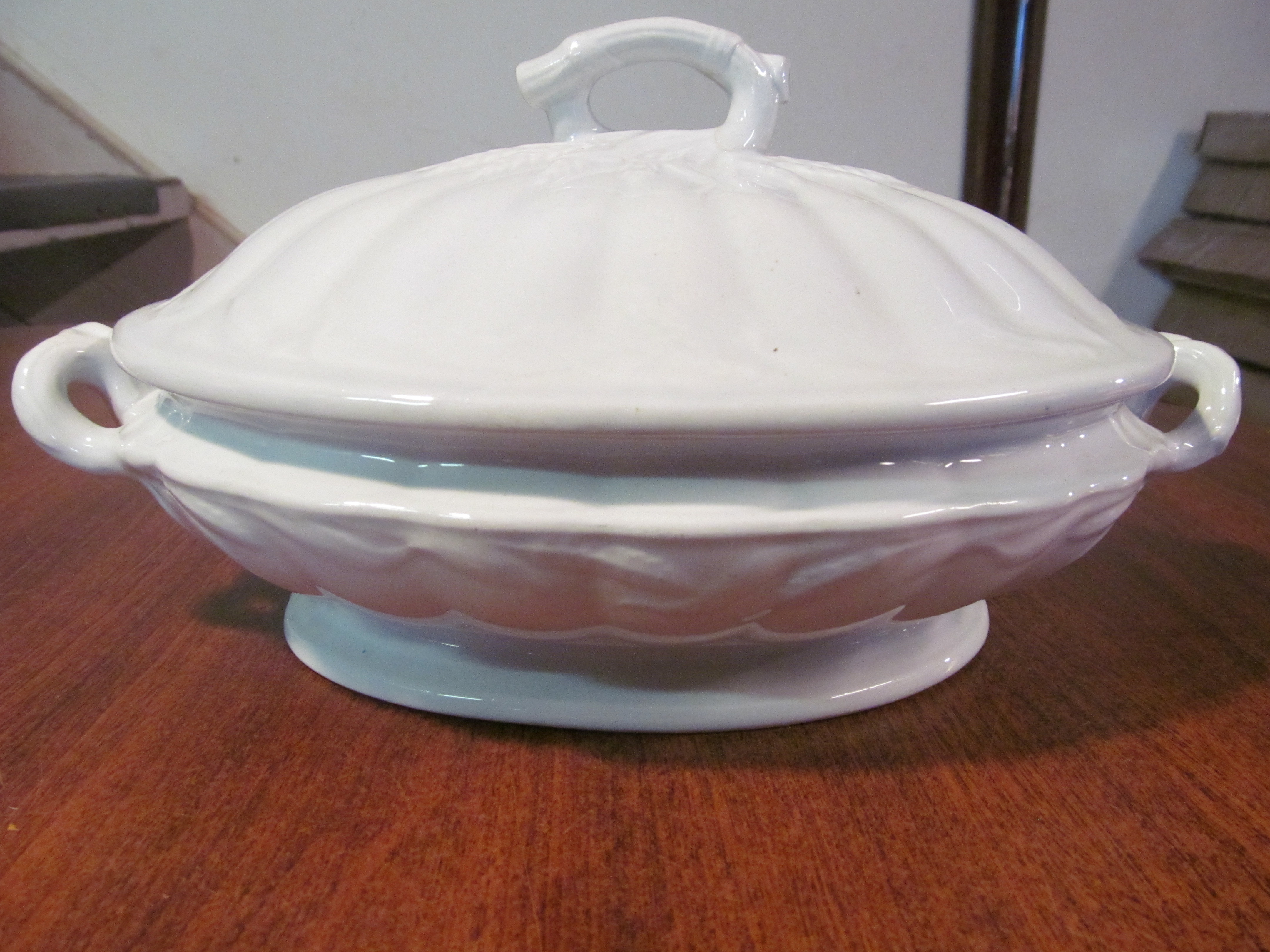 Number 1 Cochran >> R. Cochran & Co. Imperial Ironstone China Covered Vegetable Dish - Scotland