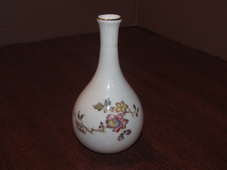 Josiah Wedgwood Sons Ltd Bud Vase Swallow